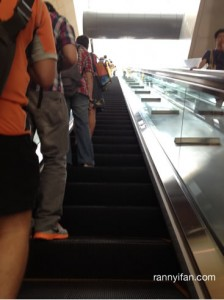 Tips Naik Eskalator MRT